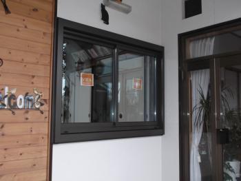 壁を壊さない工法で窓を交換できるのが魅力でした!!